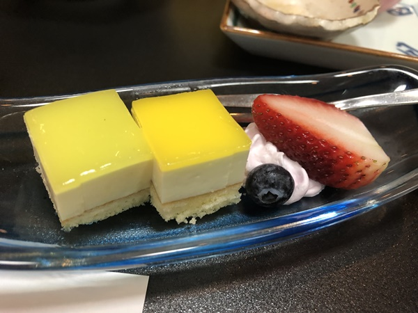あづま荘のデザート