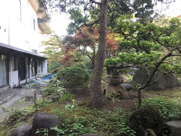 あづま荘の中庭